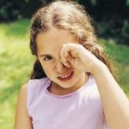How to determine if your child is suffering fro a cold or seasonal allergies via HealthyChildren.org