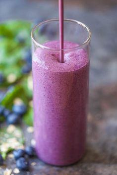 Blueberry Kale Smoothie, Smoothie Proteine, Kale Smoothie Recipes, Blueberry Juice, Breakfast Smoothie Recipes, Apple Smoothies, Healthy Smoothies, Healthy Drinks, Making Smoothies