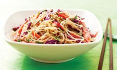 i have recently discovered a love of pad thai, now just to find a good recipe to try making it at home. Enter this vegan take with kelp noodles instead of the typical rice ones I've seen. Delicious Vegan Recipes, Raw Food Recipes, Veggie Recipes, Vegetarian Recipes, Vegan Comfort Food, Vegan Food, Vegan Raw, Vegan Pad Thai, Plant Based Recipes