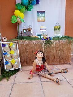 Inspiracion fiesta Vaina party inspiration moana party cumpleñaos Vaiana wonder party barcelona fiestas tematicas Moana, Ideas Para Organizar, Party Decoration, Barcelona, Candy, Themed Parties, Sweet, Toffee, Sweets