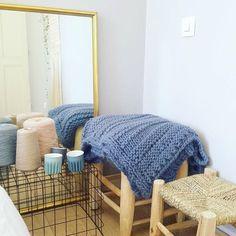 Hello!     J'ai reçu, il y a quelques semaines, la superbe laine Georgette en coloris denim de la marque Maille Name Is .   Cette laine t...
