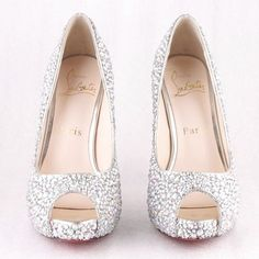 Christian louboutin wedding shoes for autumn/winter style. Just click the picture Louboutin High Heels, Red High Heels, Black Heels, Silver Wedding Shoes, Wholesale Diamonds, Cheap Christian Louboutin, Red Bottom Shoes, Diamond Girl, Evening Shoes