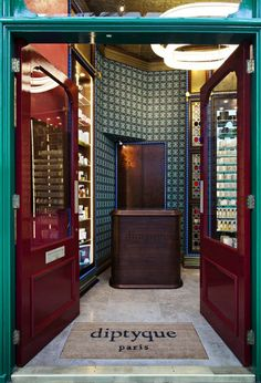 2 diptyque-london-store-by-christopher-jenner