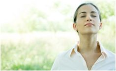 Breathe Easy: Effective natural remedies for congestion. Allergies and sinus problems are nothing to sneeze at. These natural solutions offer relief. Vida Natural, Salud Natural, Pranayama, Natural Remedies For Congestion, How To Clear Sinuses, Whole Body Vibration, Kundalini, Diaphragmatic Breathing, Belly Breathing