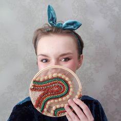 birb.studio handmade embroidery #haftręczny #tambourembroidery #handembroidery #tamborek #emvroideryhoop #giftidea #prezent #dodomu #wystrójwnętrz #obraz #textileartist #sequins #textilecollage #rękodzieło #ręcznierobione #handmade #etsygift #slowlife Creative Gifts, Unique Gifts, Handmade Gifts, Sister Gifts, Gifts For Mom, Birthday Celebration, Birthday Gifts, Romantic Gifts, Online Gifts