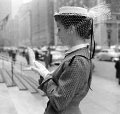 1950s hat and gloves