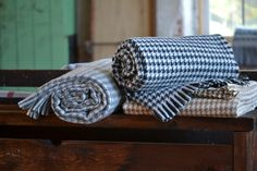 Amana Woolen Mill Houndstooth Throws Woolen Mills 94333fb5c