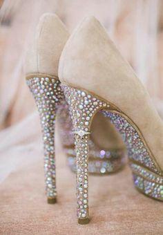 Beautiful wedding heels ring