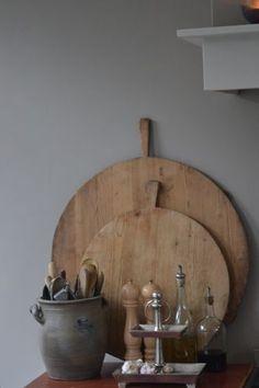 Mooie oude snijplanken geven een keuken net een andere sfeer