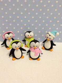 Penguins sugar cake topper
