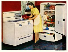 It's A Gibson Double Feature! Drawer looked like this. 1940s Kitchen, Vintage Kitchen, Retro Kitchens, Vintage Advertisements, Vintage Ads, Vintage Stuff, Vintage Refrigerator, Vintage Appliances, Kitchen Appliances