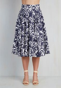 Perk the Room Skirt. Youre bound to brighten the spirits of everyone around you at the networking event in this floral skirt! #blue #modcloth