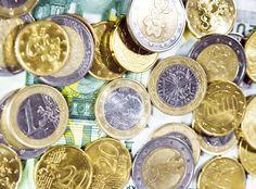 Monete di euro e banconote