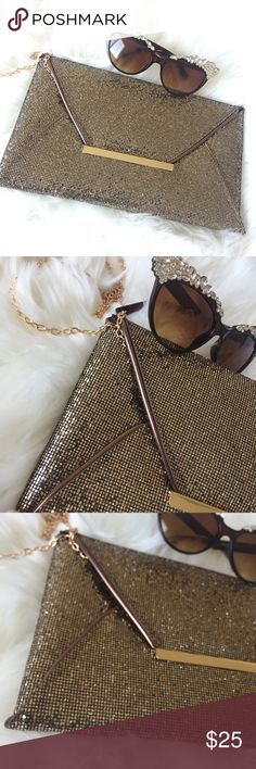 Glitter Envelope Clutch Clutches approx 12x8. Super cute, just big enough to hold your essentials for a night out.  Has zipper inside pocket, chain detachable strap.  Please specify color upon purchase.  Colors : black, coffee (bronze), gold.   💢PRICE FIRM unless bundled💢 Bags Clutches & Wristlets