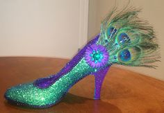 Confessions of a glitter addict: Peacock Feather Shoe