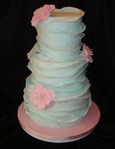 """ΣΕΜΙΝΑΡΙΟ ΖΑΧΑΡΟΤΕΧΝΙΑΣ  """"WAVES CAKE"""" Δείτε περισσότερα:http://www.cakeandbakestories.org/#!-waves-cake/c9an"""