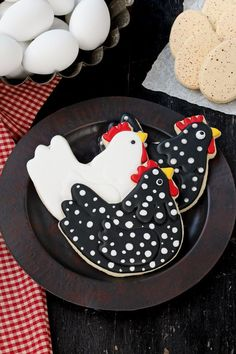 Who says cookie cutters are only used to make cookies? This adorable fondant chicken was the inspiration for this cute little chicken cake topper. Farm Cookies, Iced Cookies, Cut Out Cookies, Easter Cookies, Royal Icing Cookies, No Bake Cookies, Valentine Cookies, Birthday Cookies, Christmas Cookies
