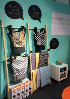 I like the idea bubbles on the bright background Tula Baby Carriers & Kantaen trade show booth in Helsinki Lapsimessut 2014.