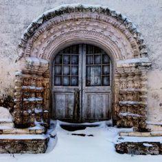 Snowy portal