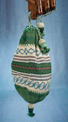 Antique Needlework Tools and Sewing: 178 Early Century Needlework Bag Vintage Purses, Vintage Handbags, Ballet Bag, Shabby, 19th Century Fashion, Beautiful Bags, Beautiful Dresses, Work Bags, Types Of Bag