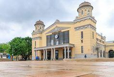 Bekescsaba Trainstation - Békéscsaba Vasútállomás Train Station, Monuments, Hungary, Budapest, Buildings, Mansions, House Styles, Bulgaria, Romania