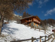 Wooden chalet in the #Alps with magnificent mountain view. #Brusson #Italy #monterosa #ski
