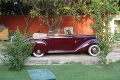 Bentley, New Delhi (© Claus Mueller)