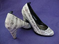 I know somebody TRIED to make a cute pair of shoes...but they failed! Look closely...not good