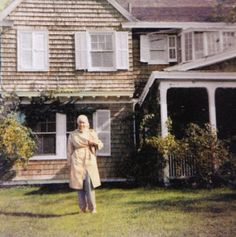 The middle years of Edie's life were spent taking care of her mother and their cats at their family home in East Hampton, known as Grey Gardens. Although she rarely ventured outside the house she always dressed stylishly, even if her mother was the only one who saw her. #styleicon #modcloth