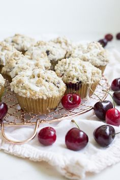 French Delicacies Essentials - Some Uncomplicated Strategies For Newbies Cherry Crumb Muffins With A Cinnamon Crumb Topping. Cherry Desserts, Cherry Recipes, No Bake Desserts, Just Desserts, Dessert Recipes, Cherry Muffins, Best Blueberry Muffins, Quick Bread Recipes, Muffin Recipes