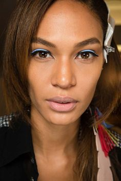 #fendi #mfw #makeup #eyeliner #look  http://www.kalisia.it/blog/products-brands/topics/reviews/lultimo-accessorio-luxury-il-leather-eyeliner-di-fendi/