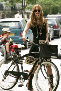 Fille du 84 sur son vélo sur www.velocustom.eu