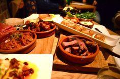 Delicatessen Oslo: tapas! Oslo, Tapas, Mexican, Dining, Ethnic Recipes, Food, Deli Food, Food Food, Meals