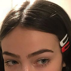 , , Frisuren Brautjungfer, You are in the right place about Hair Accessories headbands Here we offer you the most beautiful pictures about the Hair Accessories silver you are lo Makeup Inspo, Beauty Makeup, Hair Makeup, Hair Beauty, Beauty Uk, Beauty Style, Makeup Eyebrows, Eyeshadow Makeup, Makeup Art