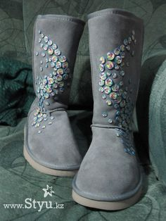 Uggs embellished with polymer slices