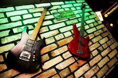 Rock 'N' Roll PUB - Čia savaitgalis niekada nesibaigia Irish Pub Interior, Bar Interior, Interior And Exterior, Irish Men, Life Images, Rock N Roll, Exterior Design, Guitars, Decorations
