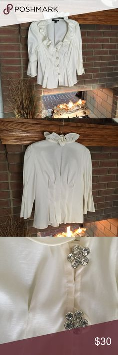 Chetta B - Elegant holiday blouse-Size 8 NWOT-Fitted off white blouse that could be paired with long/short skirt, dress slacks or jeans! Chetta B Tops Blouses