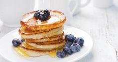 Recette de Pancakes sucrés allégés au sirop d'érable. Facile et rapide à réaliser, goûteuse et diététique. Ingrédients, préparation et recettes associées.