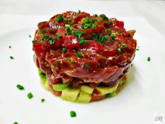 Discover recipes, home ideas, style inspiration and other ideas to try. Sushi Recipes, Cooking Recipes, Healthy Recipes, Tuna Tartar, Aesthetic Food, Cooking Time, Tapas, Seafood, Delish