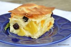 Prăjitură cu iaurt și fructe din compot sau congelate - cu foi subțiri de plăcintă | Savori Urbane Fruit Recipes, Baby Food Recipes, Cake Recipes, Dessert Recipes, Cooking Recipes, Romanian Desserts, Romanian Food, No Cook Desserts, Food To Make