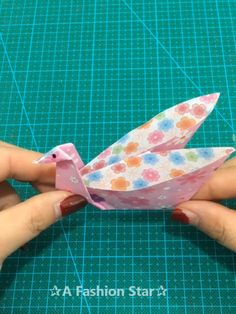 Are you looking for some Fun DIY Crafts Ideas? Today we collected 10 Paper Craft Ideas for you, hope you will like it - DIY Craft Ideas Diy Crafts Hacks, Diy Home Crafts, Easy Diy Crafts, Diy Arts And Crafts, Fun Crafts, Crafts For Kids, Paper Crafts Origami, Diy Origami, Oragami