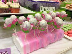 Flower cake pops!