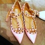 """Statigram – """"too expected in black, but this funny baby pink! Valentino #love"""""""