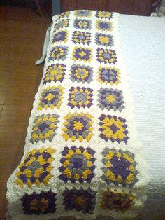 pie de cama Punto Zig Zag Crochet, Manta Crochet, Crochet Granny, Love Crochet, Knit Crochet, Crochet Hats, Crochet Designs, Crochet Patterns, Bed Runner