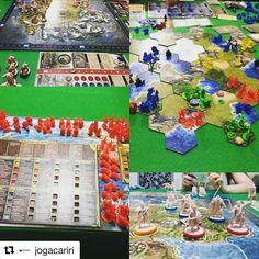 Jogando Blood Rage #galapagosjogos e Clash of Cultures com nosso playmat Grécia Antiga #boardgame #playmat #DeliDaPersy