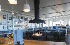 Gasgestookte haard geplaatst in Strandpaviljoen Hemingway Bergen aan Zee Bergen, Schmidt, Ceiling Lights, Lighting, Home Decor, Homemade Home Decor, Light Fixtures, Ceiling Lamps, Lights