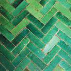 65 Ideas Kitchen Tiles Moroccan Floors For 2019 Kitchen Island Ikea Hack, Kitchen Layouts With Island, Kitchen Cabinet Layout, Green Kitchen Decor, Kitchen Wall Colors, Kitchen Tiles, Kitchen Window Valances, Window Seat Kitchen, Moroccan Kitchen