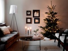 Christmas decor can be of any color, including dark shades - this home in Finland proves it. Yes, the colors here are mainly dark, but the interiors do ✌Pufikhomes - source of home inspiration Fir Christmas Tree, Christmas Interiors, Dark Shades, Beautiful Christmas, Finland, Christmas Decorations, Cozy, Interior Design, House