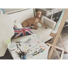 Typical afternoon at my studio...🙂🐶💙☕️。 。 。 。 。 。 #doglover #愛犬#ビズラ #スタジオ #アート#平日の午後 #typicalafternoon #withmydog #vizslalife #happytime #livemylife