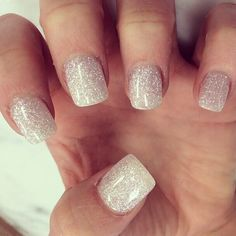 Winter wedding nails, simple wedding nails, silver sparkly nails, sparkle n Winter Wedding Nails, Simple Wedding Nails, Fancy Nails, Cute Nails, Pretty Nails, Piercing Face, Tattoo Und Piercing, Piercings, Silver Sparkly Nails